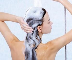 Află de ce e bine să renunți la șampon